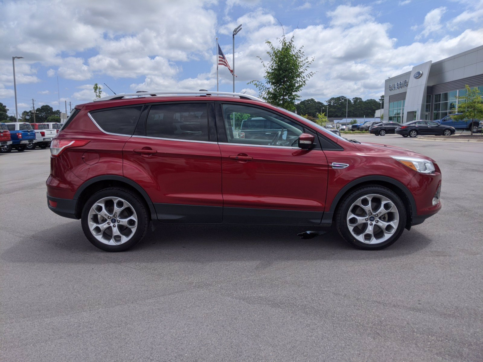 Pre-Owned 2014 Ford Escape Titanium FWD Sport Utility