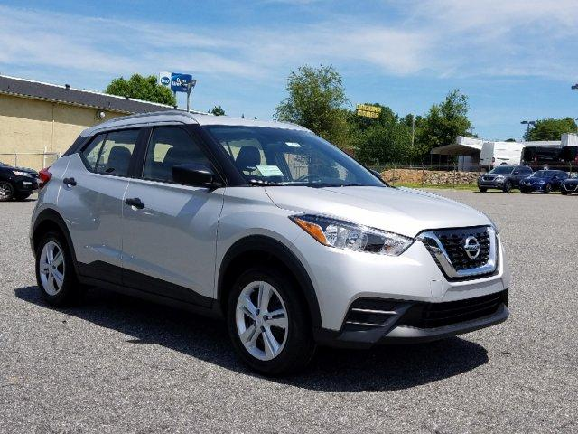 New 2019 Nissan Kicks S FWD