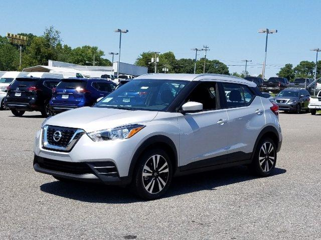 New 2019 Nissan Kicks SV FWD