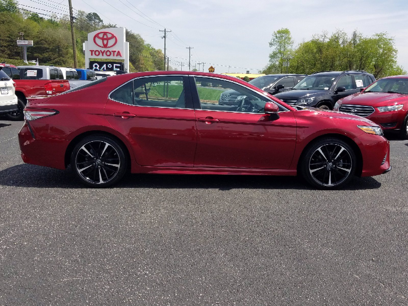 Pre-Owned 2018 Toyota Camry XSE FWD 4dr Car