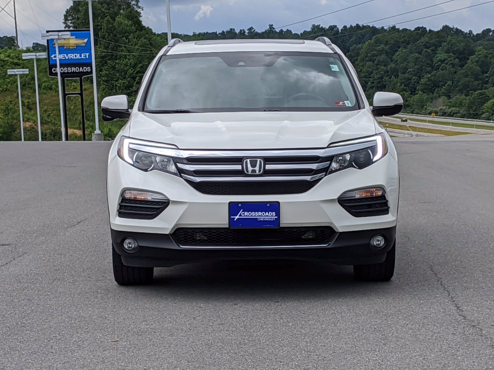 Pre-Owned 2017 Honda Pilot Touring With Navigation & AWD