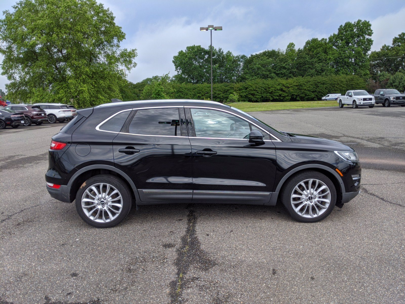 Pre-Owned 2017 Lincoln MKC Reserve With Navigation