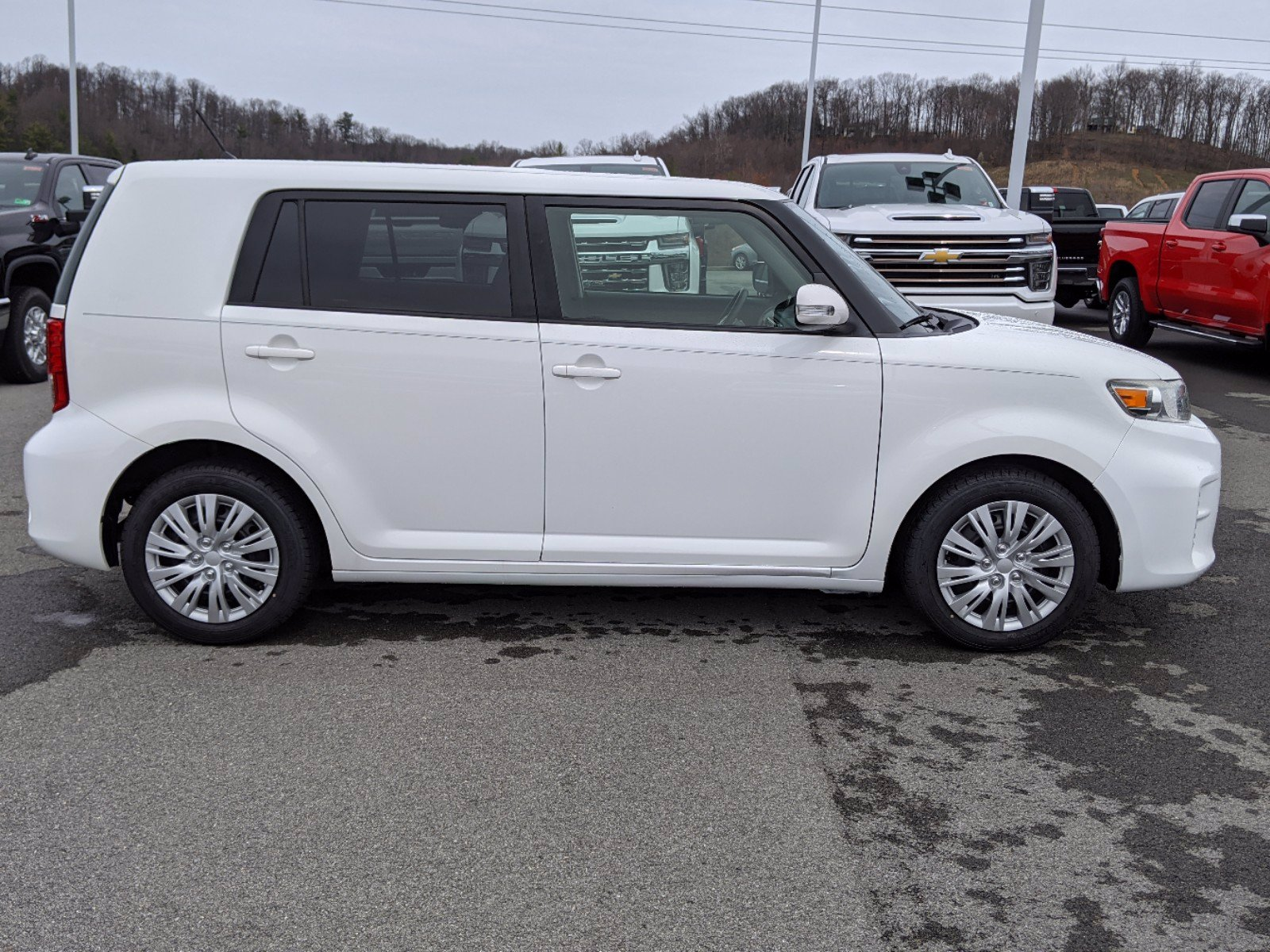 Pre-Owned 2015 Scion xB Base FWD Station Wagon