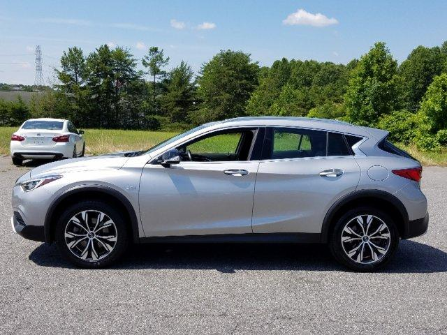 Pre-Owned 2018 INFINITI QX30 Luxury AWD