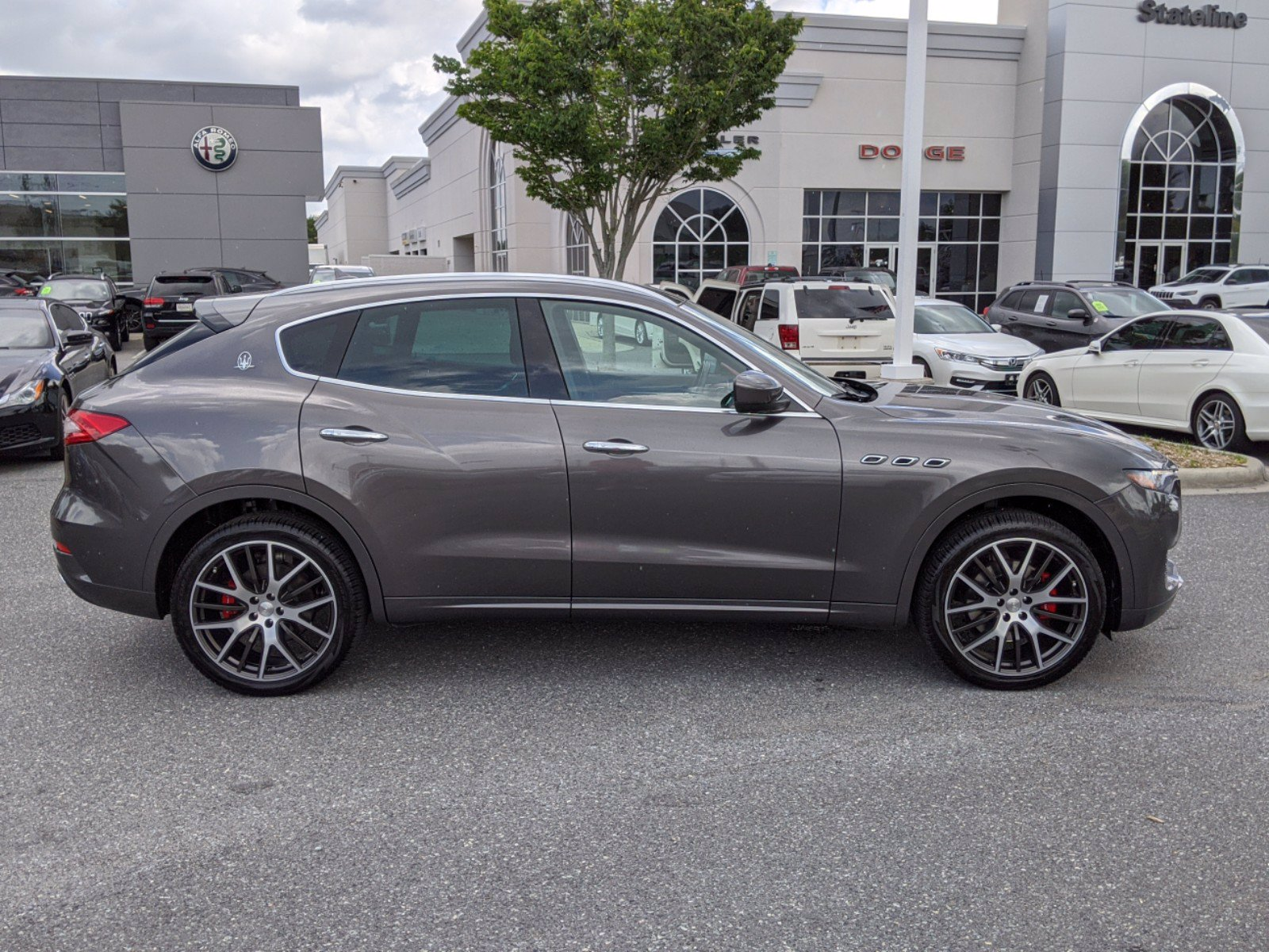 Pre-Owned 2017 Maserati Levante Base With Navigation & AWD
